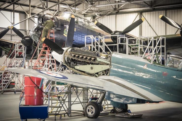 Spitfire XIX Lancaster B1